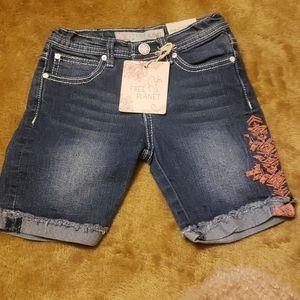 Free Planet Bermuda shorts  (size 6)
